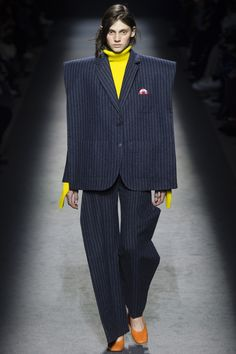 Jacquemus Fall 2016 Ready-to-Wear Fashion Show - Saadi Schimmel