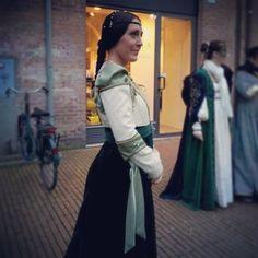 @patriziamontanari_#me #medievallady #damamedievale #carnevalerinascimentale #igersferrara #rinascife2014 #comunediferrara #patriziamontanari #ferrara #ferraramedievale