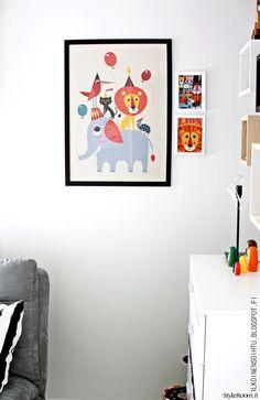 juliste,taulukollaasi,leikkisä,lastenhuone,lastenhuoneen sisustus