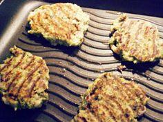 Brokolicové karbanátky   NejRecept.cz Le Chef, Grill Pan, Mousse, Biscuits, Grilling, Food And Drink, Fitness, Kitchen, Diet