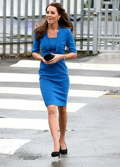 Kate Middleton Is Radiant in Bright Blue Dress at Art …