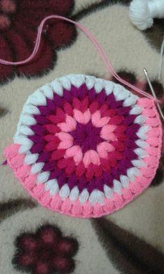 Best 12 Crochet Poncho – How to Crochet: Textured Wave Stitch – SkillOfKing. Rainbow Crochet, Love Crochet, Crochet Crafts, Crochet Yarn, Crochet Poncho, Crochet Stitches Patterns, Crochet Designs, Stitch Patterns, Crochet Coaster Pattern