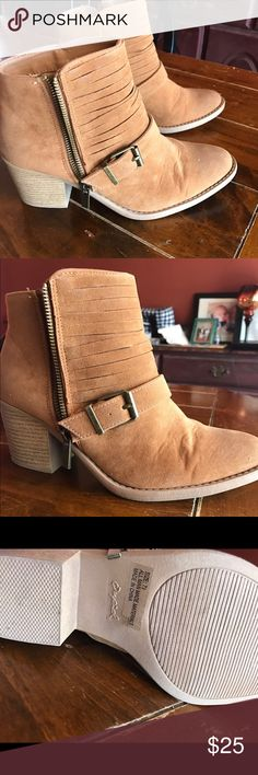 Tan ankle boots These have only been worn a few times! Great quality! Shoes Ankle Boots & Booties
