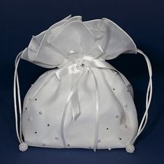 First Communion Bags & Communion Purses for Girls - Dolly Bags - Shoulder Hand Bags - Childrens Satin Bags for Holy Communion Première Communion, Communion Dresses, First Communion, Wedding Purse, Wedding Favor Bags, Lace Bag, Groom Accessories, Potli Bags, Latest Handbags