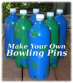 Today I will show you how to make your own bowling pins. You need six plastic bottles, spray paint in two colors, and a ball. Field Day Activities, Art Activities For Kids, Activity Ideas, Top Games For Kids, Diy For Kids, Diy Carnival Games, Projects For Kids, Art Projects, Bowling Pins