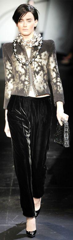 Armani Privé Haute Couture Fall Winter 2009/2010 collection