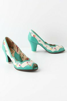 such cute, vintage inspired shoes