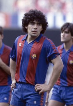 All You Need To Know About Football. Football is a game for giants. Football is made up of physically tough people, but also mentally tough ones too. Barcelona Futbol Club, Fc Barcelona, Barcelona Soccer, Football Drills, Football Soccer, Football Kits, Retro Football, World Football, Lionel Messi