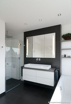 Bathroom Modern furnishing with different designs and Source by Bathroom Design Decor, Interior, Decor Design, Home Decor, Bathroom Mirror, Modern Bathroom, Bathroom Design, Furnishings, Modern Furnishings