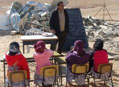 A Hébron en #Cisjordanie, comme dans beaucoup d'endroits dans le monde, la pauvreté, la discrimination et les risques de violence empêchent d'innombrables filles d'aller à l'#école. VOUS pouvez changer ceci ! Aujourd'hui nous avons lancé un nouveau projet afin d'aider à financer la construction d'une école pour les jeunes filles palestiniennes dans un village de Zif.