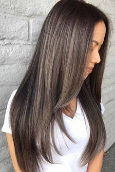 Mushroom brown hair color is perfect for those who like ashy tones. Try mushroom brown balayage, ombre or different types of highlights. Haircuts For Long Hair Straight, Layers For Long Hair, Brown Straight Hair, Short Hair, Long Layer Hair, Long Hair Styles Straight, Long Hair Haircuts, Brunette Long Layers, Brown Layered Hair