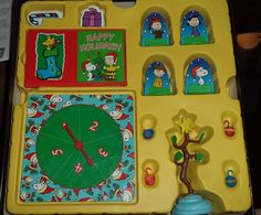 Charlie Brown Christmas Board Game Ages 5 and up Snoopy Linus Lucy Family Night #Fundex