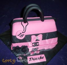 Torty pre ženy » Torta Kabelka na 18tku