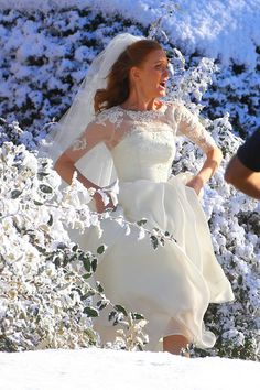 Jayma Mays getting married while filming 'Glee.'