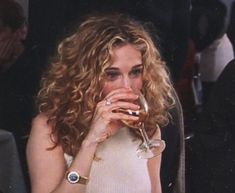 Invest In Some Cat Furniture Article Body: If you are one of the lucky people in the wo Perfume Diesel, Carrie Bradshaw Hair, Hair Inspo, Hair Inspiration, Sarah Jessica Parker Hair, Forever, Curly Girl, Look Fashion, Curly Hair