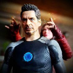#ironman #tonystark #scarletwitch #avengers #theavengers #ageofultron #rdj #robertdowneyjr #elizabetholsen #wandamaximoff #avengersinfinitywar #actionfigures #toyart #toy #toys #toyphotography #toypics #comics #comicbooks #superhero #superheros #marvel #mcu #stanlee #marvelcomics #marveltoys #marvellegends #shfiguarts