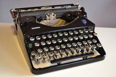 Vintage Rare 1940 BLACK Triumph DURABEL by TypewritersHeaven, €139.00