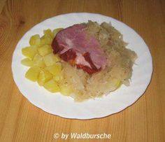 Das perfekte Geschmortes Sauerkraut mit Kassler und Kartoffel-Würfelchen-Rezept mit einfacher Schritt-für-Schritt-Anleitung: Das Sauerkraut unter…