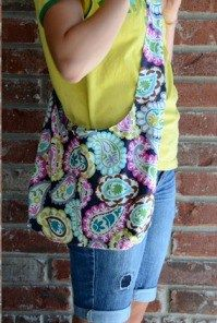 Reversible Sling Bag.  This is such a cute bag!  And it looks easy to make, too.  The entire bag, including the strap,…