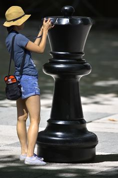 https://flic.kr/p/Tbq8ee | My Queen | A large outdoor Chess piece . . .