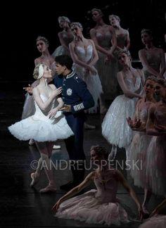 Carlos Acosta and Sarah Lamb in 'Swan Lake' photo by Andre Uspenski