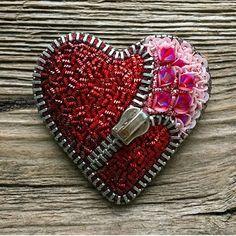 Автор @lanazatoys 〰〰〰〰〰〰〰〰〰〰〰〰〰〰 По всем вопросам обращайтесь к авторам изделий!!! #ручнаяработа #брошьизбисера #брошьручнойработы #вышивкабисером #мастер #бисер #handmade_prostor #handmadejewelry #brooch #beads #crystal #embroidery #swarovskicrystals #swarovski #купитьброшь #украшенияручнойработы #handmade #handemroidery #брошь #кольеручнойработы #кольеизбисера #браслеты #браслетручнойработы #сутажныеукрашения #сутаж #шибори #полимернаяглина #украшенияизполимернойглины