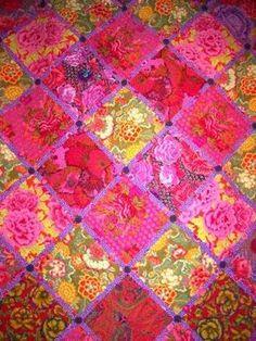 - ...good lookin! - ...big bold beautiful Kaffe Fassett quilts...