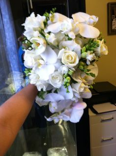 front view of cascading bouquet
