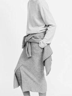 Louise Mikkelsen By Stephen Ward for Elle Australia February knitwear, knitted garment, minimal, fashion Fashion Foto, Grey Fashion, Minimal Fashion, Womens Fashion, Style Fashion, Monochrome Fashion, Daily Fashion, Latest Fashion, Looks Style