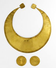 Gold artefacts (the rigid necklace is a torc) from Coggalbeg, Co. Roscommon, Ireland. Early Bronze Age in date