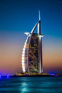 Burj Al Arab, Dubai The World's Only 7 star Hotel Dubai Vacation, Dubai Travel, Dubai Hotel, Dubai City, Naher Osten, Great Buildings And Structures, Modern Buildings, Burj Al Arab, Belle Villa