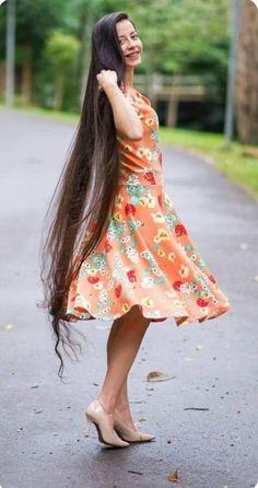 Pentecostal Hairstyles, Rapunzel, Really Long Hair, Long Black Hair, Hair Growth Tips, Silky Hair, Beautiful Long Hair, Dream Hair, Brunette Hair