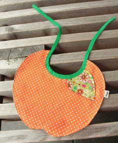 Fruitslabbetje/ Fruity bib
