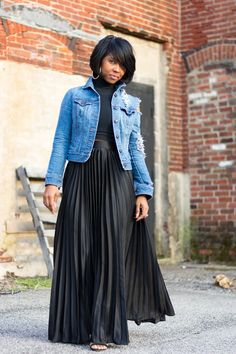 the length of this pleated skirt is absolutely lovely the denim jacket gives it a bit of Street Style ( just without the holes)