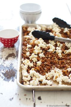 Try this amazing Maple Pumpkin Spice Popcorn recipe for snacking. Simple & great for fall and winter parties and get togethers. Popcorn Recipes, Snack Recipes, Pecan Recipes, Pumpkin Recipes, Fall Recipes, Salty Snacks, Yummy Food, Tasty