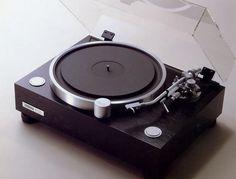 YAMAHA GT-2000/GT-2000L 1982 Audio Amplifier, Hifi Audio, Audiophile, Yamaha Audio, Tape Recorder, Audio Equipment, Audio System, Turntable, Gt 2000