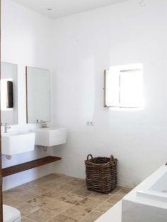 Gorgeous minimalistic country bathroom by Blakstad