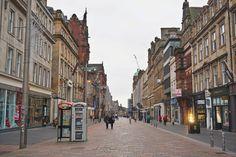 A Scottish New Year's tale: Glasgow and Edinburgh - Backpack Globetrotter Glasgow, Edinburgh, Scottish New Year, Greyfriars Bobby, Buchanan Street, Busy Street, Modern Buildings, Heritage Site, Old Town