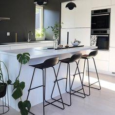 10 Must-Haves for a Luxury Kitchen Kitchen Interior, Home Interior Design, Modern Interior, Kitchen Decor, Kitchen Rustic, Kitchen White, Kitchen Small, Modern Luxury, Room Interior