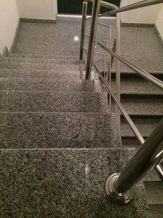 In Kombination mit Funktionalität und Sicherheit bieten wir Ihnen individuelle Treppen von klassisch bis modern.   http://www.treppen-deutschland.com/granit-treppen-moderne-granit-treppen