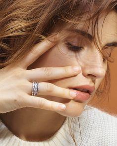 Pairing rings (engagement & band)