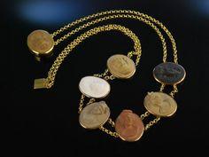 Antique Cameo Necklace! Seltene Kette Collier Lava Kameen Silber vergoldet Grand Tour Italien um 1840, exquisiter, historischer Gemmen Schmuck bei Die Halsbandaffaire