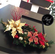Centro de mesa navideño nochebuenas rojo y dorado