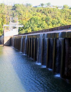 Powersite Dam, low water, Forsyth, MO