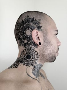 This is beautiful - Talk about a real example of a tasteful, artistic tattoo!