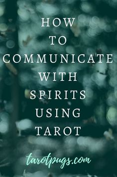 Magick, Witchcraft & Spirits: How to Communicate with Spirits using Tarot. Even if you don't think you're psychic, you can still talk to spirits using divination forms such as tarot. Chakra, What Are Tarot Cards, Tarot Cards For Beginners, Types Of Reading, Meditation, Tarot Card Spreads, Tarot Astrology, Astrology Zodiac, Astrology Signs