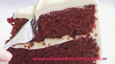 Torta Red Velvet o Terciopelo Rojo, es una torta muy rica y muy hermosa y llamativa. Es una torta de color rojo con un buttercream muy rico. Espero que les guste la receta ♥