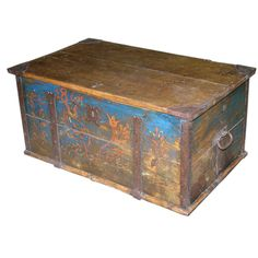 Hope Chest, Dowry Chest dated Coffee table Trunks And Chests, Blanket Chest, Diy Wood Projects, Hope Chest, Primitive, Floral Design, Decorative Boxes, Dating, Antiques