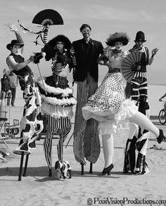 I promise you I'm dead inside Circus Vintage, Old Circus, Dark Circus, Night Circus, Circus Costume, Burlesque Costumes, Theatre Costumes, Royal Ballet, Stilt Costume