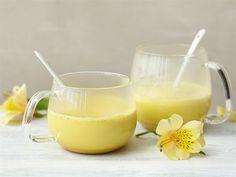 Kurkuma-hunajajuoma- Kurkuma, inkivääri, hunaja... Tässä mausteita, joiden sanotaan ajavan pöpöt sinne missä pippuri kasvaa. Käyttämällä Valio Kiehu™ maitojuomaa, ei juoman kuumennuksessakaan tarvitse pelätä pohjaanpalamista.